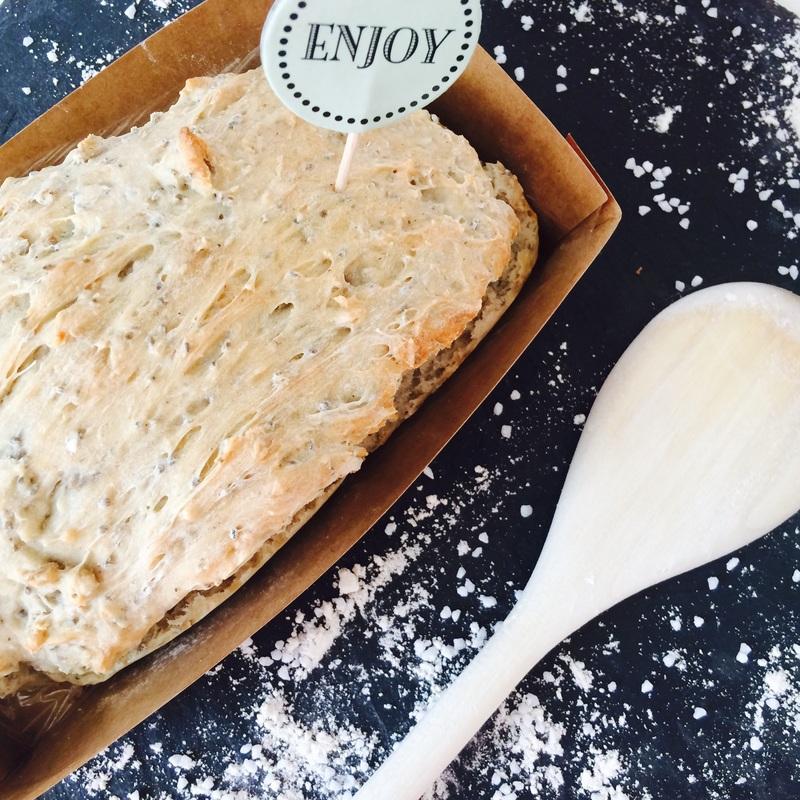 Frisch aus dem Ofen: Dinkelbrot mit Chia-Samen