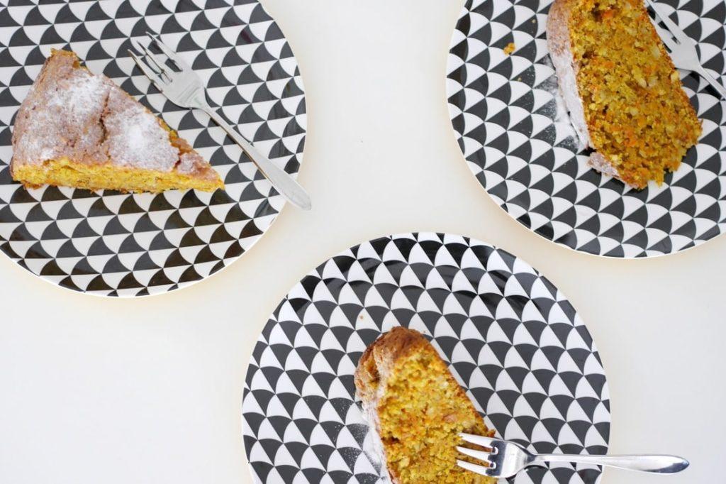 Saftiger Mandel-Möhrenkuchen