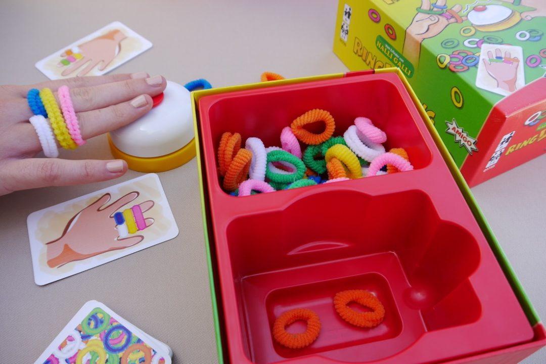 kinderspiele-urlaub-spielideen-urlaub-reisespiele-kinder-amigo-minimenschlein-ringlding