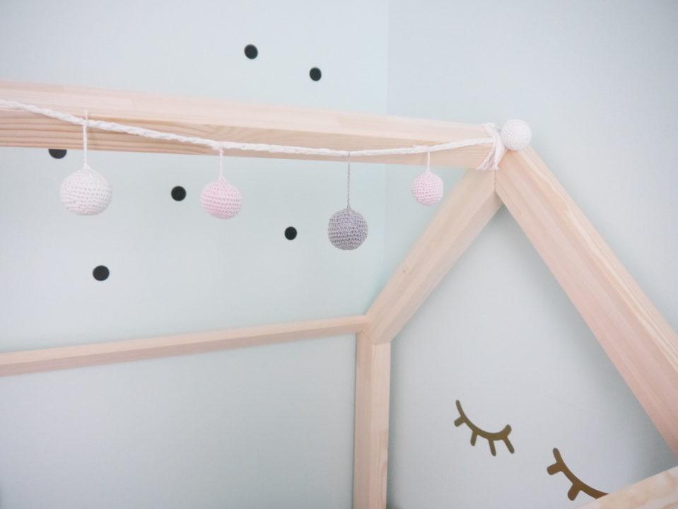 Kinderzimmer ideen das neue kinderzimmer mit hausbett for Kinderzimmer mint