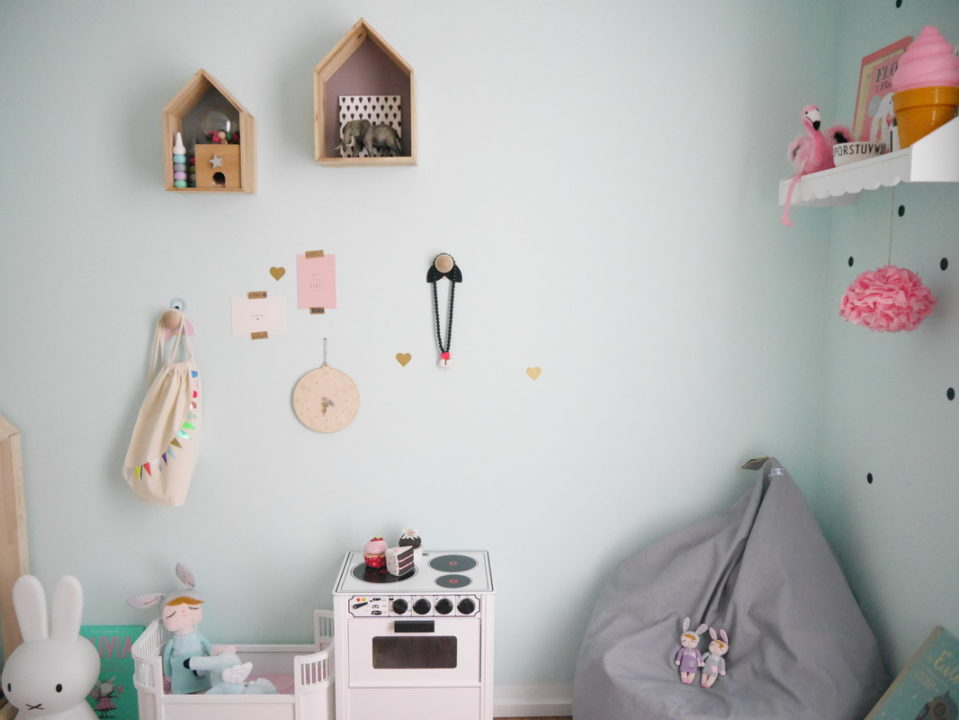 die-schoensten-kinderzimmer-inspiration-flamingo-miniroom-miffylampe-smallstuff