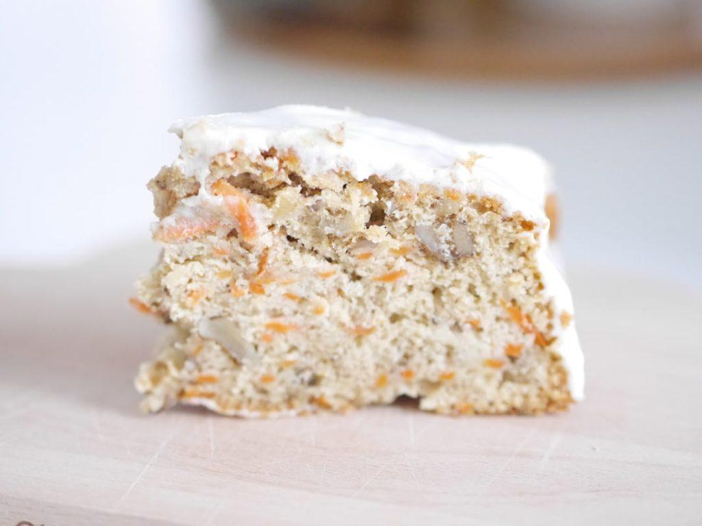 Leckerschmecker Walnuss-Karotten Kuchen