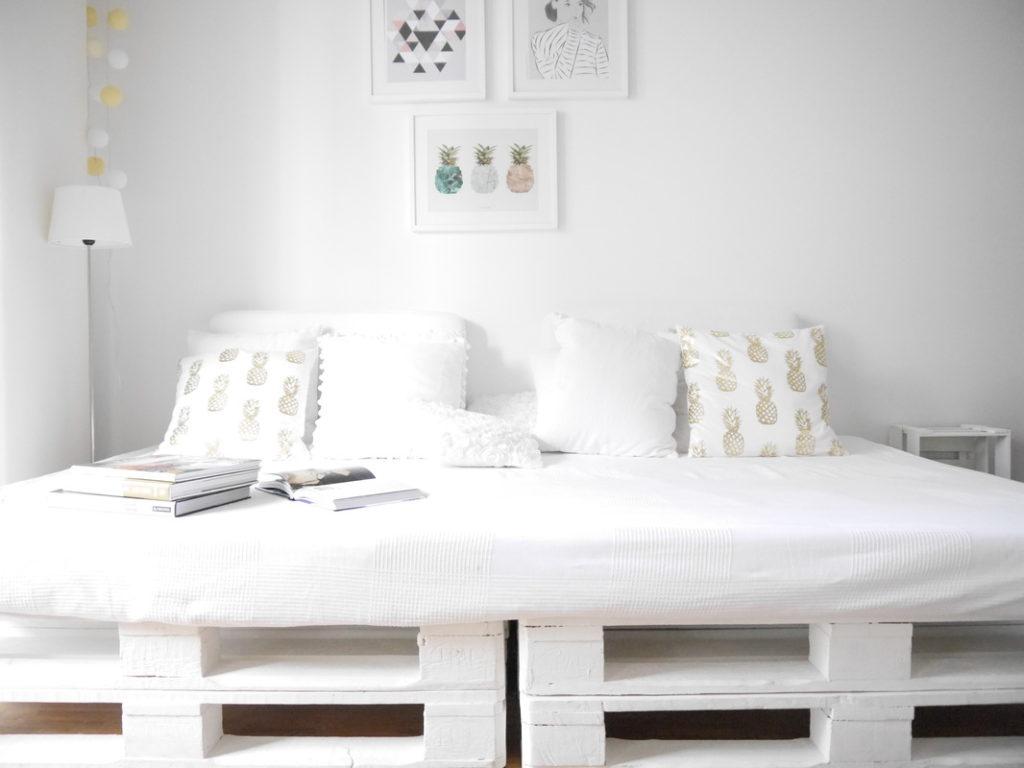 DIY Palettensofa: Groß, gemütlich, stylisch