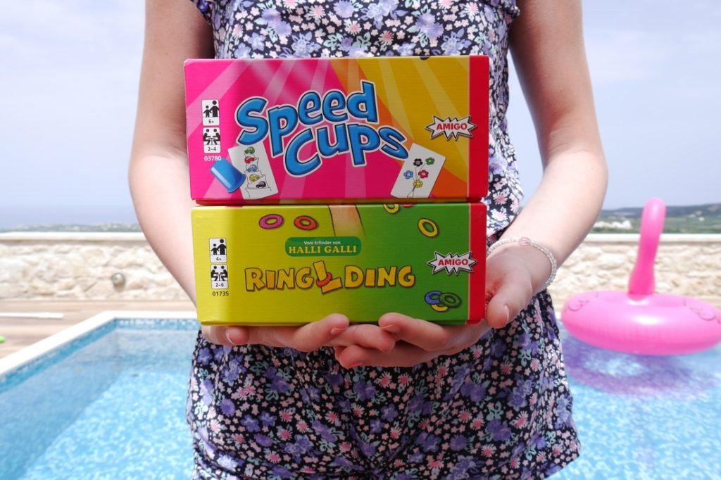 Geniale Spiele für die Reise: RINGLDING und SPEED CUPS