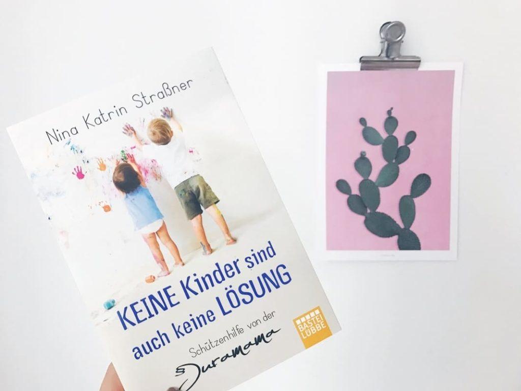 """MiniMenschlein liest … """"Keine Kinder sind auch keine Lösung"""" von Nina Straßner"""
