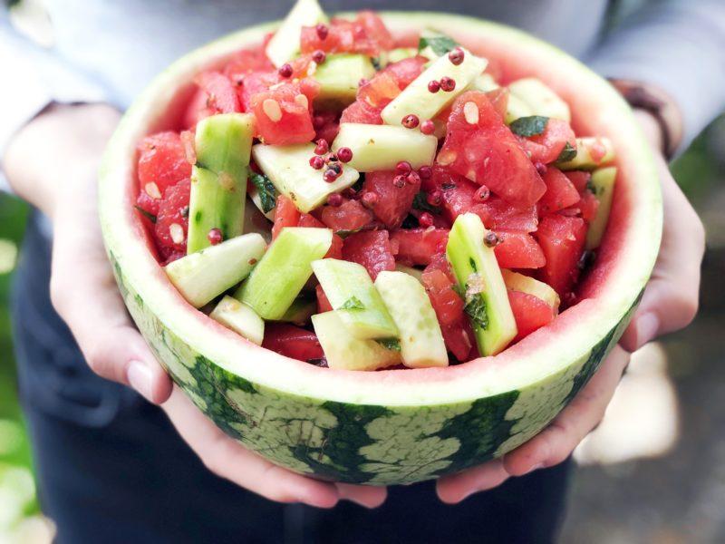 Melonensalat mit Minze und Gurke