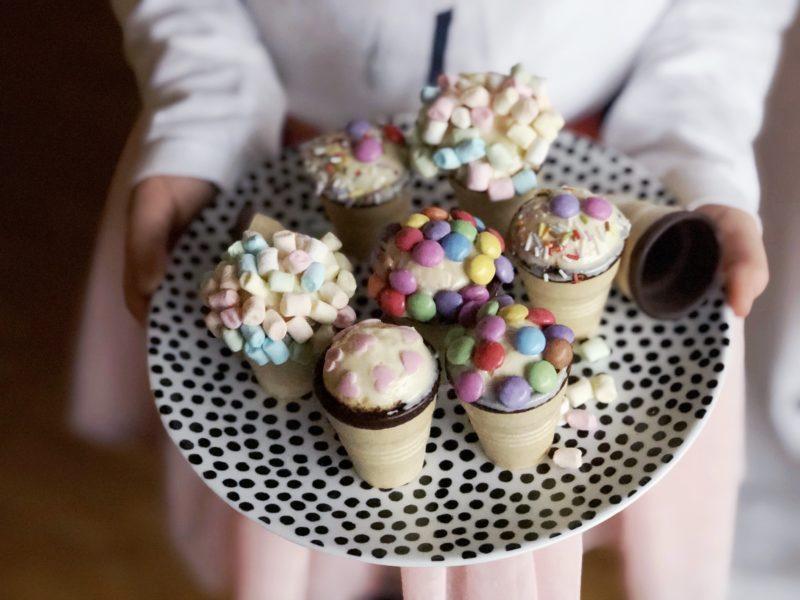 Kleine Kuchen Im Waffelbecher Minimenschlein De